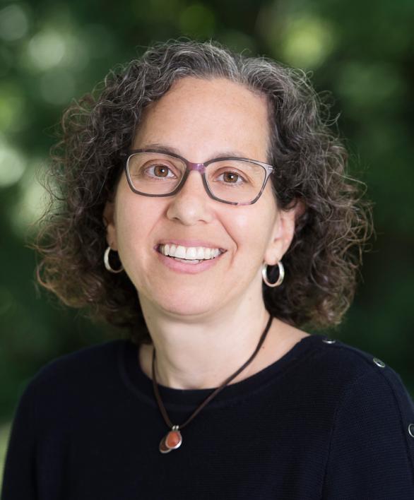 Miriam Braunstein headshot